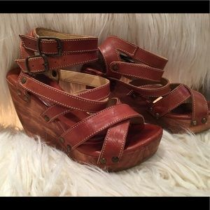 Bed Stu size 6.5 tan leather strappy heel